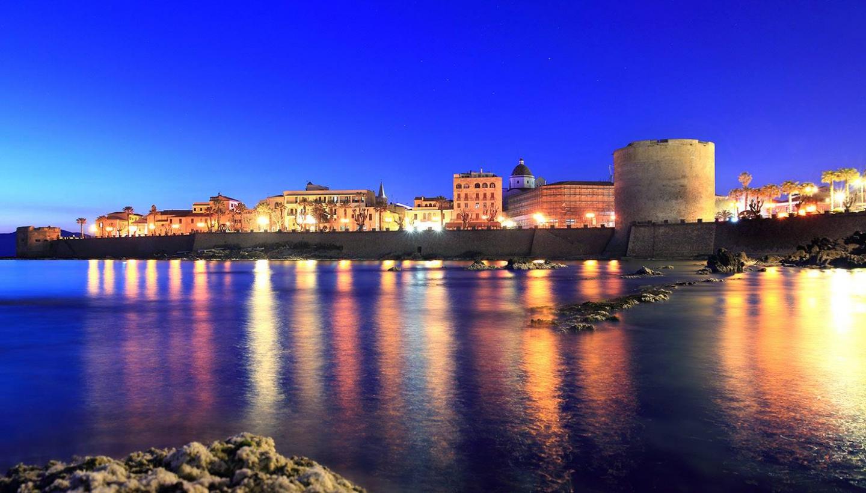 alghero_notte.jpg